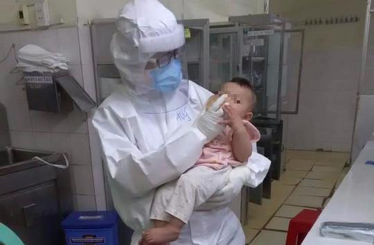 Thưởng nóng nữ bác sĩ vắt sữa nuôi bệnh nhi Covid-19 - Ảnh 4.