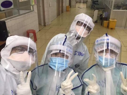 Thưởng nóng nữ bác sĩ vắt sữa nuôi bệnh nhi Covid-19 - Ảnh 2.