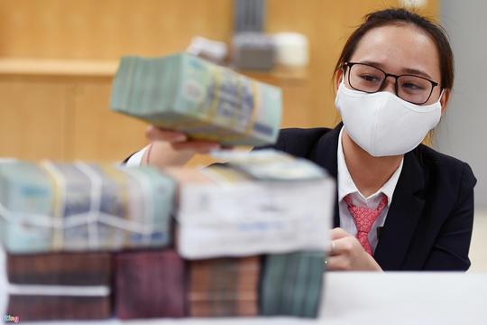 Giám đốc ADB: Việt Nam nên hỗ trợ trực tiếp doanh nghiệp, cá nhân - Ảnh 4.