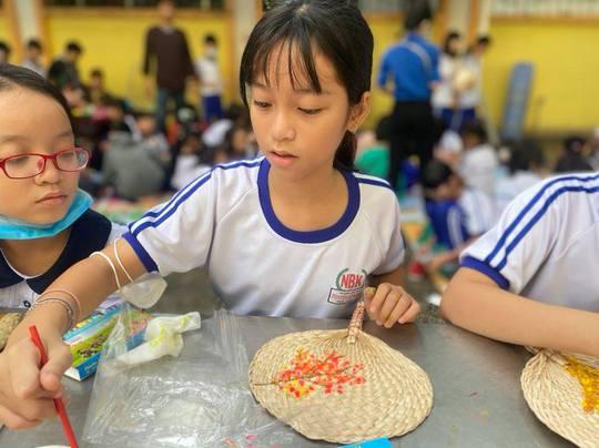 Sở GD-ĐT TP HCM đề xuất phương án mở cửa trường học, cho học sinh trở lại trường - Ảnh 1.
