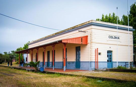 9 ga xe lửa bỏ hoang đẹp nhất thế giới - Ảnh 7.