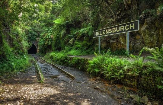9 ga xe lửa bỏ hoang đẹp nhất thế giới - Ảnh 2.