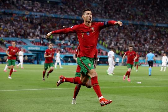 Lukaku chiếm sóng Ronaldo, góp mặt đội hình tiêu biểu Euro 2020 - Ảnh 3.