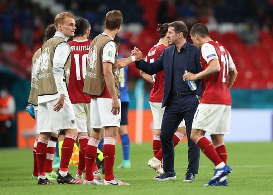 Tuyển Ý vào tứ kết Euro 2020 nhờ hai siêu phẩm bàn thắng - Ảnh 7.