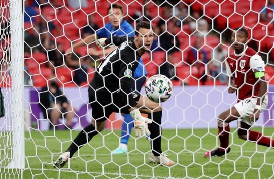 Tuyển Ý vào tứ kết Euro 2020 nhờ hai siêu phẩm bàn thắng - Ảnh 5.