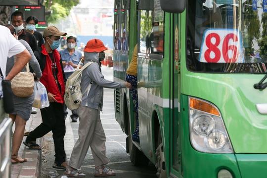 Lắng nghe người dân hiến kế: Tạo thói quen sử dụng xe buýt - Ảnh 1.