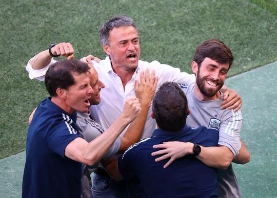 Rượt đuổi tỉ số kịch tính, Tây Ban Nha ngược dòng thắng ngoạn mục Croatia - Ảnh 5.