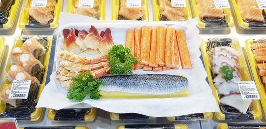 Satramart - Siêu thị Sài Gòn đưa vào hoạt động quầy sushi tự chọn - Ảnh 3.