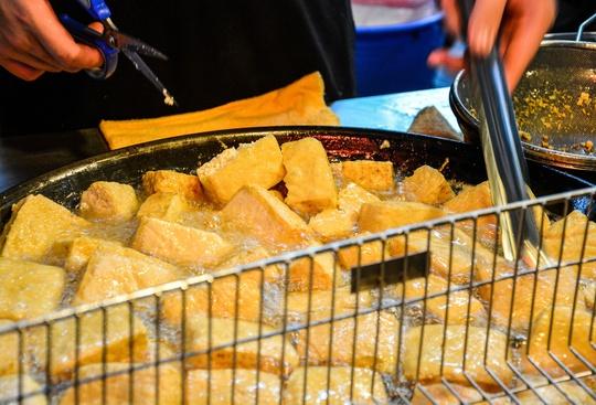 Những món ăn phải thử khi ghé chợ đêm Đài Loan - Ảnh 2.