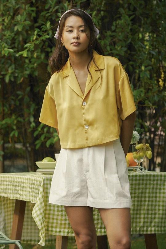 Kiểu áo sơ mi đang phủ sóng các shop thời trang Việt - Ảnh 4.