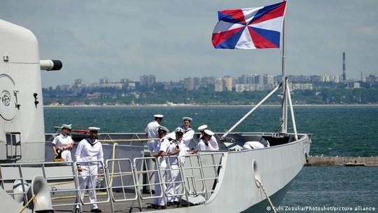 Hà Lan tố Nga quấy rối ở biển Đen - Ảnh 1.