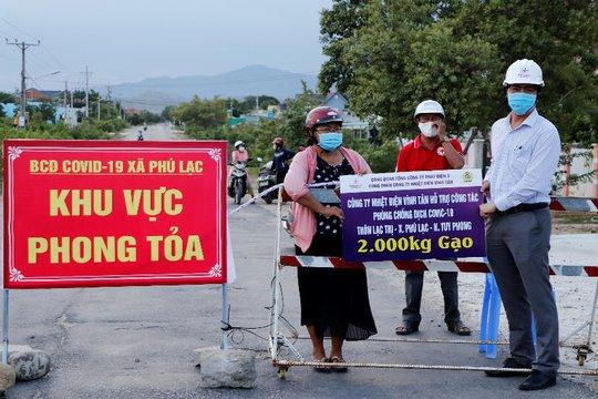 Nhiệt điện Vĩnh Tân vừa bảo đảm sản xuất vừa hỗ trợ phòng, chống dịch Covid-19 - Ảnh 2.