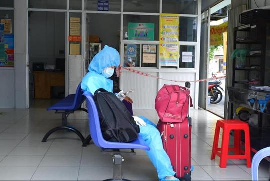 TP HCM: Phong tỏa khu nhà trọ có ca nhiễm SARS-CoV-2 liên quan Hội thánh truyền giáo Phục Hưng - Ảnh 1.