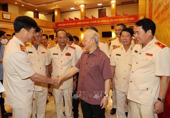 Chùm ảnh: Tổng Bí thư dự Lễ công bố Đảng ủy Công an Trung ương nhiệm kỳ mới - Ảnh 2.