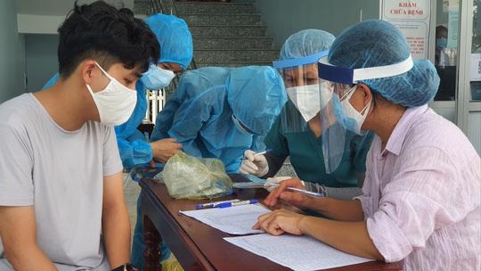 Quảng Nam giám sát y tế 3.515 người về từ TP HCM, Hà Nội - Ảnh 1.