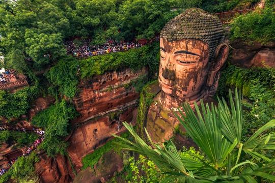 Khám phá 10 bức tượng ngoạn mục trên thế giới - Ảnh 2.