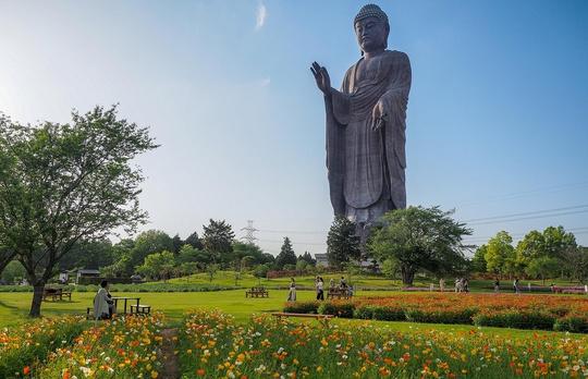 Khám phá 10 bức tượng ngoạn mục trên thế giới - Ảnh 3.