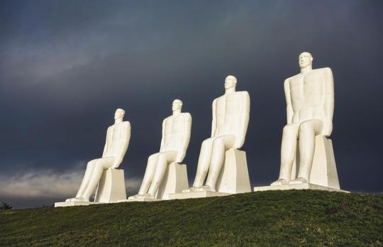 Khám phá 10 bức tượng ngoạn mục trên thế giới - Ảnh 4.