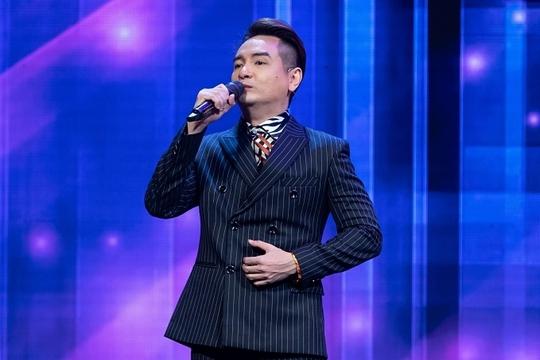 Ca sĩ Việt Quang bị viêm phổi nặng, sụt cân đến xót xa - Ảnh 1.