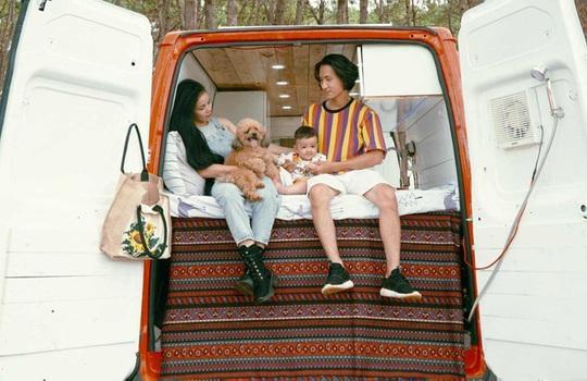 Gia đình một năm xuyên Việt trên ngôi nhà di động - Ảnh 1.