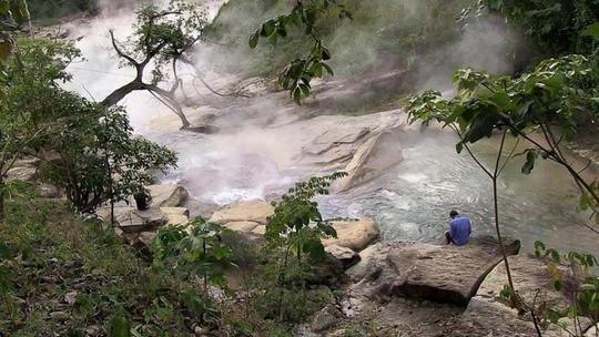 Dòng sông nước sôi 97 độ C trong rừng mưa Amazon - Ảnh 9.
