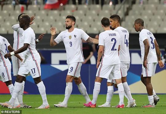Thắng Bulgaria 3-0, tuyển Pháp lo mất Benzema đá đại chiến Euro - Ảnh 3.