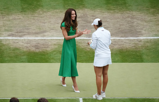 Ashleigh Barty vô địch đơn nữ Wimbledon 2021 - Ảnh 10.