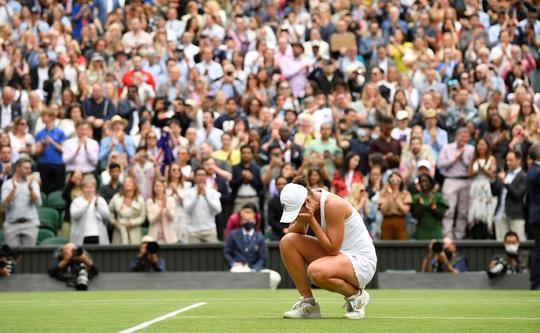 Ashleigh Barty vô địch đơn nữ Wimbledon 2021 - Ảnh 4.