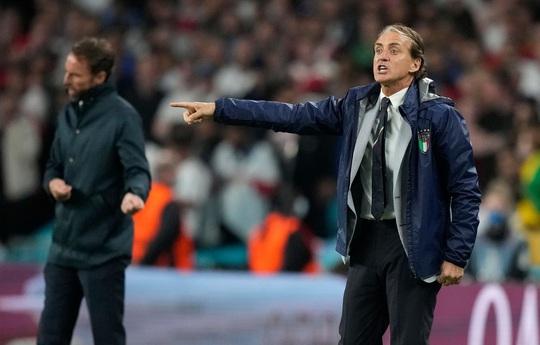 HLV Roberto Mancini giúp tuyển Ý lập nên hàng loạt kỷ lục - Ảnh 1.