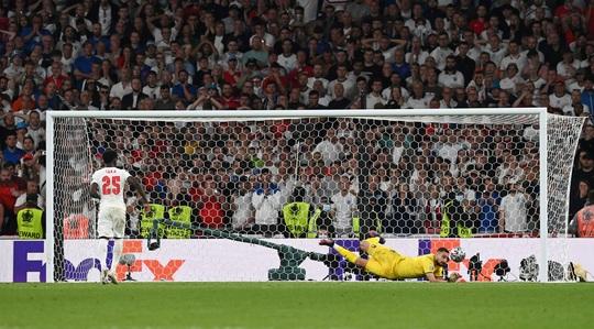 HLV Roberto Mancini giúp tuyển Ý lập nên hàng loạt kỷ lục - Ảnh 6.