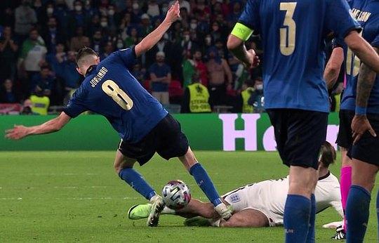 Frank Lampard bất mãn vì học trò cũ Jorginho thoát… thẻ đỏ - Ảnh 1.