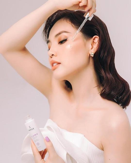 Hướng dẫn sử dụng serum trị nám Image Iluma Intense Facial Illuminator đạt hiệu quả trị nám tận gốc - Ảnh 1.
