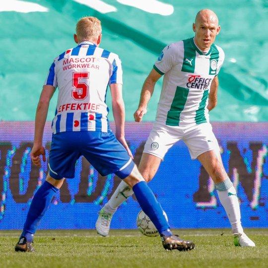 Siêu sao bóng đá Hà Lan giải nghệ ở tuổi 37 - Ảnh 3.