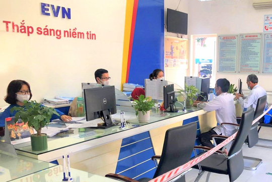 EVNCPC giảm hơn 34 tỉ đồng cho khách hàng trong tháng 6 - Ảnh 3.