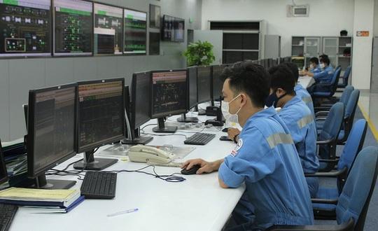 EVNGENCO 3 vượt khó trong mùa dịch, bảo đảm sản xuất điện 6 tháng đầu năm - Ảnh 1.