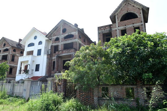 Cận cảnh dự án từng bị Thanh tra Chính phủ sờ gáy, hàng loạt biệt thự vẫn bỏ hoang - Ảnh 9.