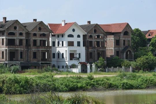 Cận cảnh dự án từng bị Thanh tra Chính phủ sờ gáy, hàng loạt biệt thự vẫn bỏ hoang - Ảnh 5.