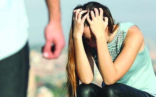 Ly hôn 3 năm vẫn bị ám ảnh bởi những trận đòn của chồng cũ - Ảnh 1.