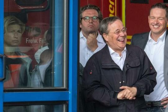 Đức: Hình ảnh gây sốc của ứng viên kế nhiệm Thủ tướng Merkel - Ảnh 1.