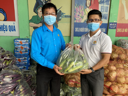 37 tấn nông sản đồng hành cùng công nhân TP HCM chống dịch - Ảnh 2.
