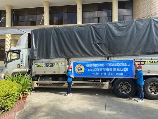 37 tấn nông sản đồng hành cùng công nhân TP HCM chống dịch - Ảnh 5.