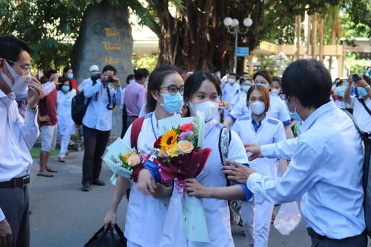 Chi viện cho Phú Yên dập dịch Covid-19 bùng phát diện rộng - Ảnh 2.