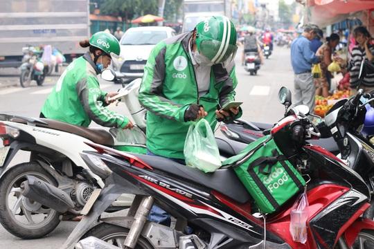Thành phố Hồ Chí Minh dự kiến mở rộng hỗ trợ đối tượng lao động tự do gặp khó khăn - Ảnh 2.