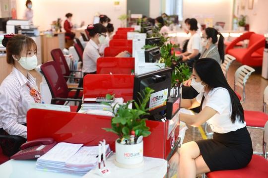 HDBank triển khai loạt chương trình ưu đãi giảm lãi suất vay - Ảnh 2.