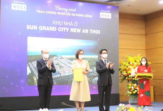 """Sun Property """"ẵm"""" 4 giải thưởng tại chương trình """"Dự án đáng sống 2021"""" - Ảnh 1."""