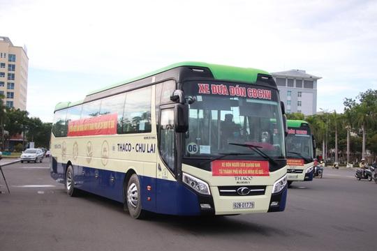 Quảng Nam đưa xe đón đồng hương, mang theo 100 tấn nông sản hỗ trợ TP HCM - Ảnh 8.