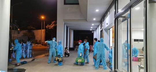 Vỡ òa niềm vui trên chuyến bay miễn phí từ TP HCM về quê Bình Định tránh dịch - Ảnh 5.