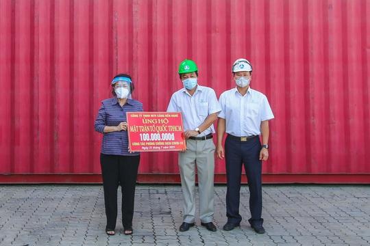 Gần 300 tấn nhu yếu phẩm ủng hộ người dân Thành phố Hồ Chí Minh đã đến Cảng Bến Nghé - Ảnh 4.