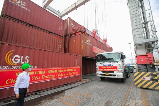 Gần 300 tấn nhu yếu phẩm ủng hộ người dân Thành phố Hồ Chí Minh đã đến Cảng Bến Nghé - Ảnh 5.