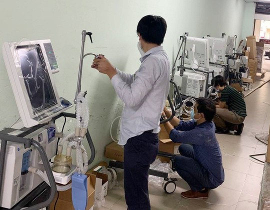 VPBank hỗ trợ gấp 715 máy hỗ trợ hô hấp hiện đại cho các tỉnh, thành phía Nam - Ảnh 4.